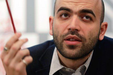 """Anche il Codacons attacca Saviano: """"Ci dica che cosa ha fatto per Napoli"""""""
