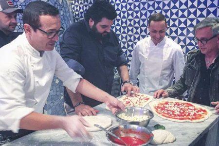 """La squadra di Master Chef da Sorbillo per un """"pizza show"""""""