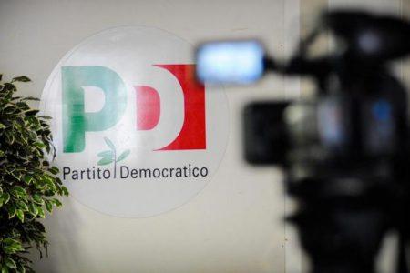 Scontro finale nel Pd, sabato le dimissioni di Renzi