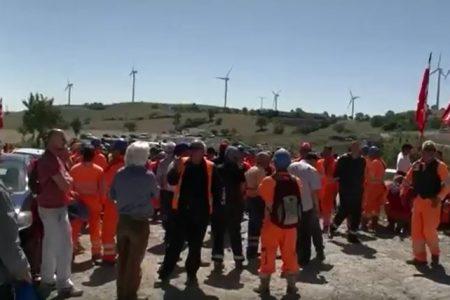 Tempa Rossa, la Total assume i rumeni e licenzia gli operai italiani. Scoppia la protesta