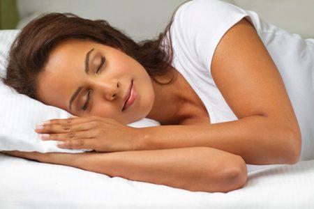 Arriva il grande caldo, ecco i trucchi per dormire bene