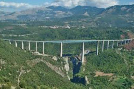 EDICOLA SUD / SALERNO – REGGIO CALABRIA: Eppur si muove…  Matteo Renzi torna al Sud a inaugurare un nuovo viadotto della A3