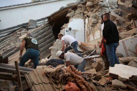 Sette anni dopo L'Aquila torna il terremoto nell'Italia centrale. Rasa al suolo Amatrice. Morti e feriti