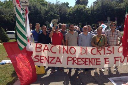 """LA LETTERA. I lavoratori del bacino di crisi di Caserta: """"Ancora una volta tagliati fuori dai sussidi, nonostante le promesse…"""""""