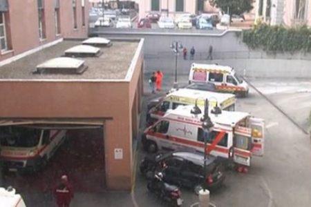 Fuori pericolo il quattordicenne accoltellato a Napoli davanti alla scuola