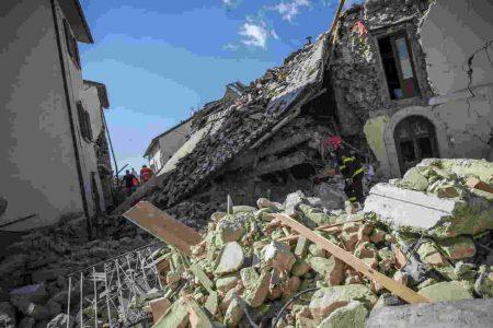 LE NOTIZIE DEL GIORNO. Terremoto nel Centro, 5mila sfollati – Berlusconi da Mattarella: pronti a un nuovo governo