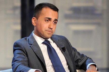 """Di Maio sfida Renzi: """"Confrontati in tv con me…."""""""