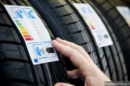 Come scegliere gli pneumatici adatti alla propria automobile