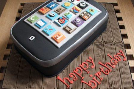 L'Iphone compie dieci anni: ecco come è nato