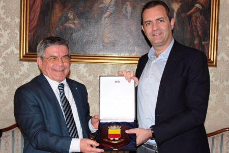 De Magistris incontra l'Ambasciatore di Algeria