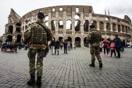 Roma, allarme sicurezza: oggi i premier dal Papa