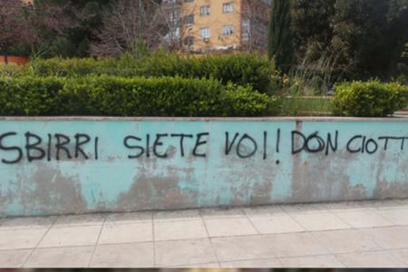 Scritte contro don Ciotti anche a Palermo, già cancellate