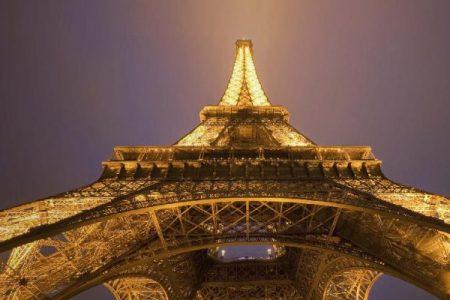 La Torre Eiffel compie 128 anni