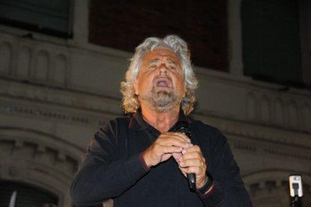 """Grillo parla già da premier: """"Reddito cittadinanza una necessità"""""""