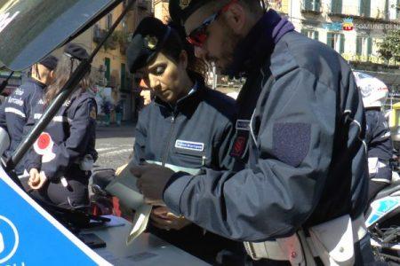 A Napoli multe a raffica con tablet e telecamere