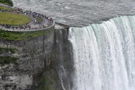 Alle Cascata del Niagara con i soldi della Camera di Commercio