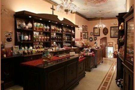 Museo del Confetto, storia di un piccolo scrigno dolce nato da una mandorla