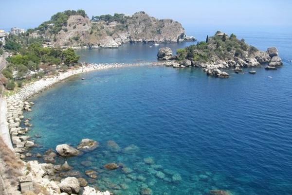 Taormina, imprenditore vince la paura e fa arrestare due estorsori