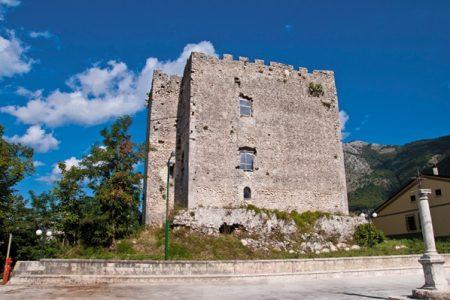 Gioielli del Sud ritrovati, riapre il Castello di Cavaniglia