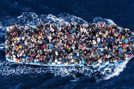 Migranti, sbarchi dimezzati a luglio