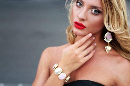 E' boom sui social network per la bellissima Tanya La Gatta
