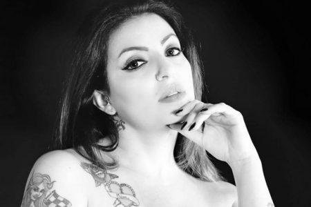 Maria Grazia Loddo, bellezza curvy, inaugura il cocktail-bar Destra 3
