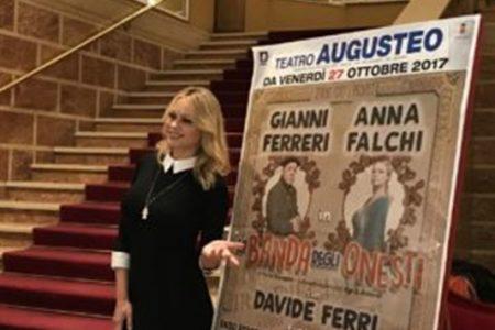 """Gianni Ferreri  e Anna Falchi in """"La banda degli onesti"""" dal 27 ottobre al Teatro Augusteo Napoli"""