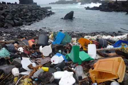 Allarme Enea: sulle nostre coste un mare di plastica