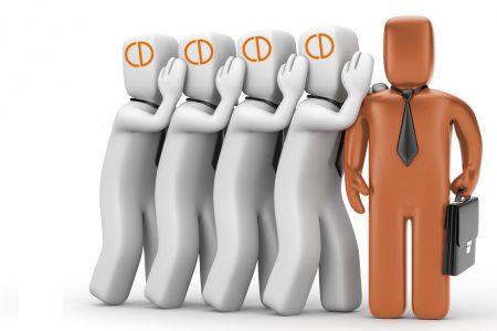L'82% degli italiani cerca il lavoro con amici e parenti