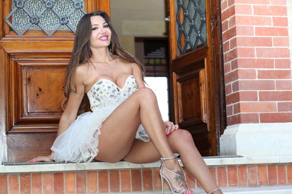 La bellezza e l'eleganza della modella Helga Conforti