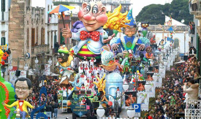 Castrovillari, in 50mila alla sfilata in maschera