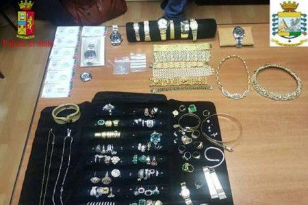 Maxi sequestro di gioielli e orologi all'Aeroporto di Reggio Calabria