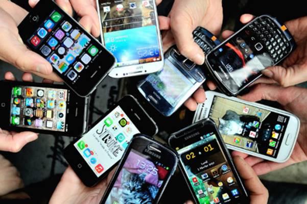 Cellulari, un decalogo per usarli senza rischi