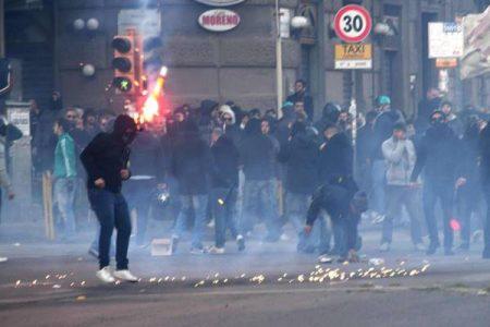 Centri Sociali, guerriglia a Napoli