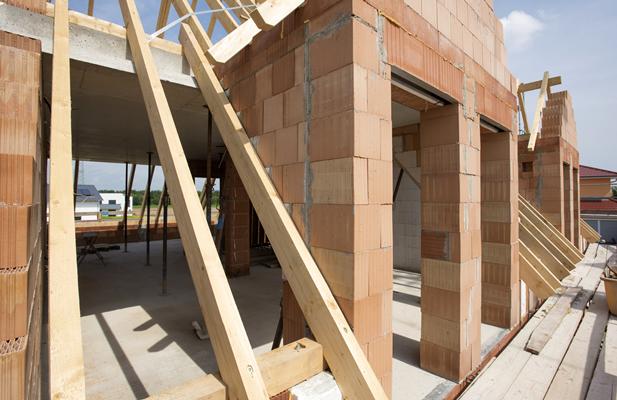 FOCUS. I condoni edilizi: in 30 anni pochi incassi e ancora 5 milioni di pratiche da esaminare