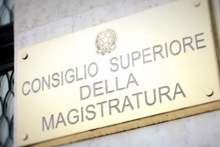 Il giudice del processo ai Cesaro alla kermesse di Forza Italia? Il Csm apre una pratica
