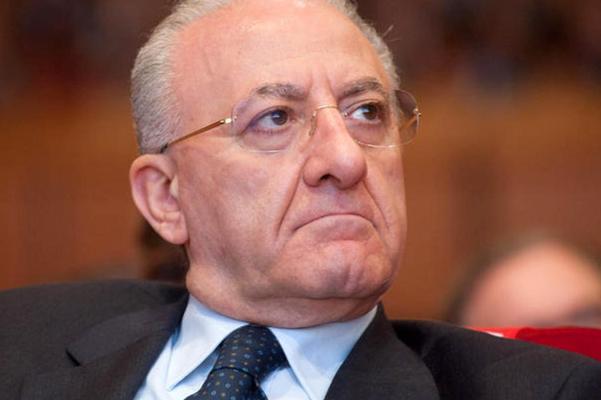 """Vitalizi, De Luca (Campania): """"Che idiozia i cortei contro"""""""