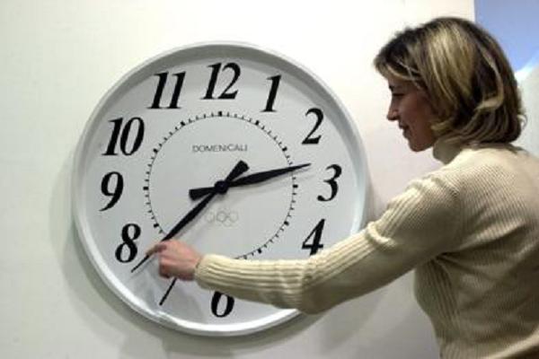 Bruxelles voleva cancellare l'ora legale, ma il Parlamento ferma tutto