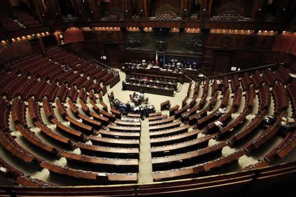 IL COMMENTO. Un Parlamento pieno di disoccupati: come ci siamo ridotti