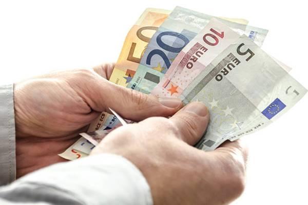 Evasione fiscale, l'Europa promuove l'Italia