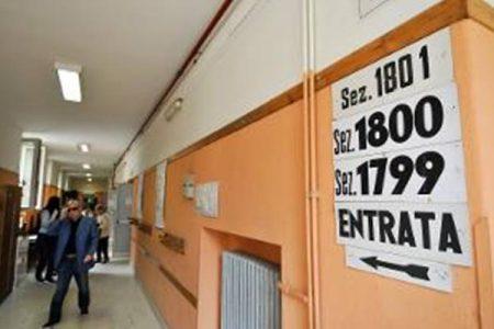 Palermo, schede sbagliate: in ritardo i seggi