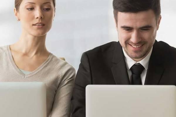 Mail e messaggi, i bancari non vogliono rispondere fuori dall'orario d'ufficio