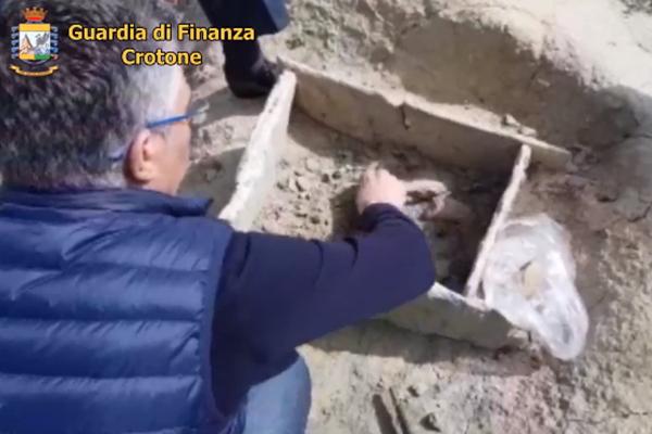 Il Sud che sorprende: a Crotone una tomba dell'età del bronzo