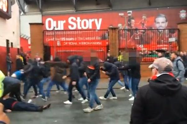 Incidenti dopo Liverpool-Roma, il video degli scontri