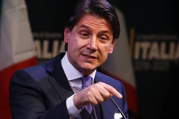 Migranti, Conte sfida Salvini