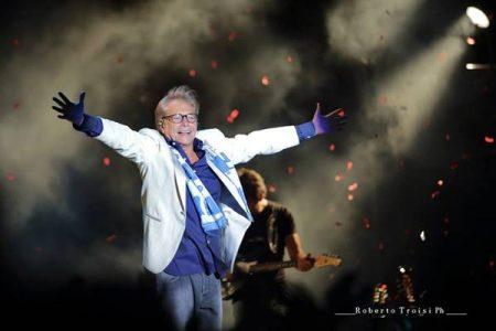 """Nino D'angelo il """"concerto 6.0"""" torna a Napoli il 19 maggio al Palapartenope"""