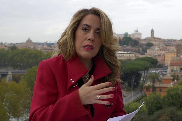 """""""Fammi diventare poesia"""", il libro di Raffaella Lanzetta"""