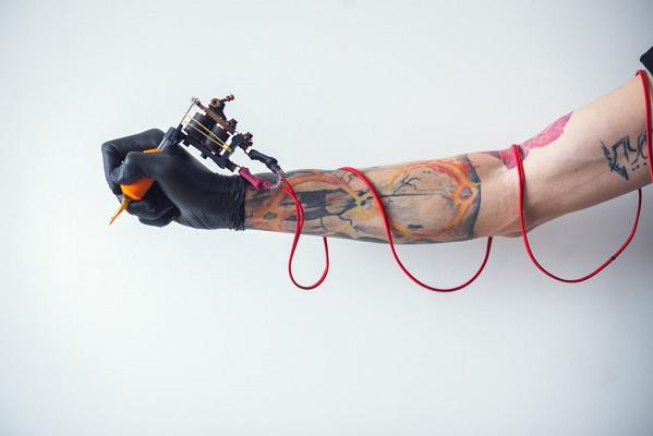 Un workshop gratuito per diventare tatuatore professionista