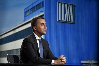 L'Ilva di Taranto, trattativa in alto mare: l'azienda vuole tagliare 4700 posti