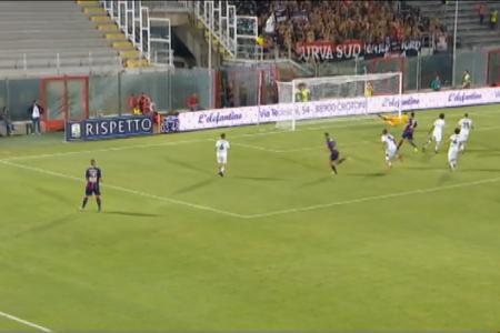 Serie B, esordio casalingo con il botto per il Crotone: 4 reti al Foggia